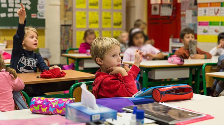 Oumeya El Ouadie - Atelier en classe élémentaire